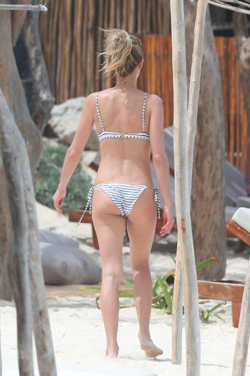 Kristin Cavallari Sexy (27 Photos)