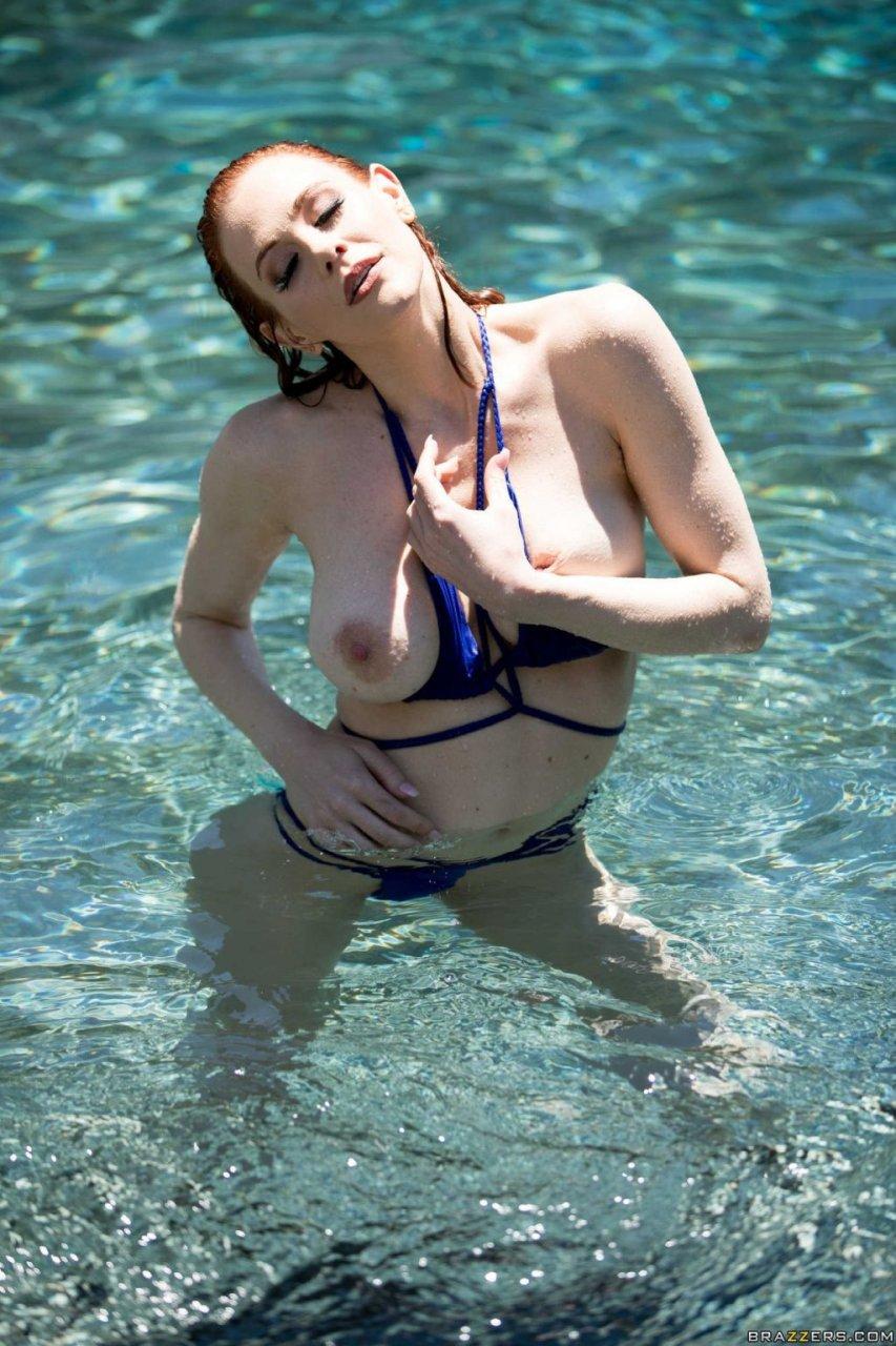 Maitland Ward Nude – Wet And Wild (55 Photos + Video)