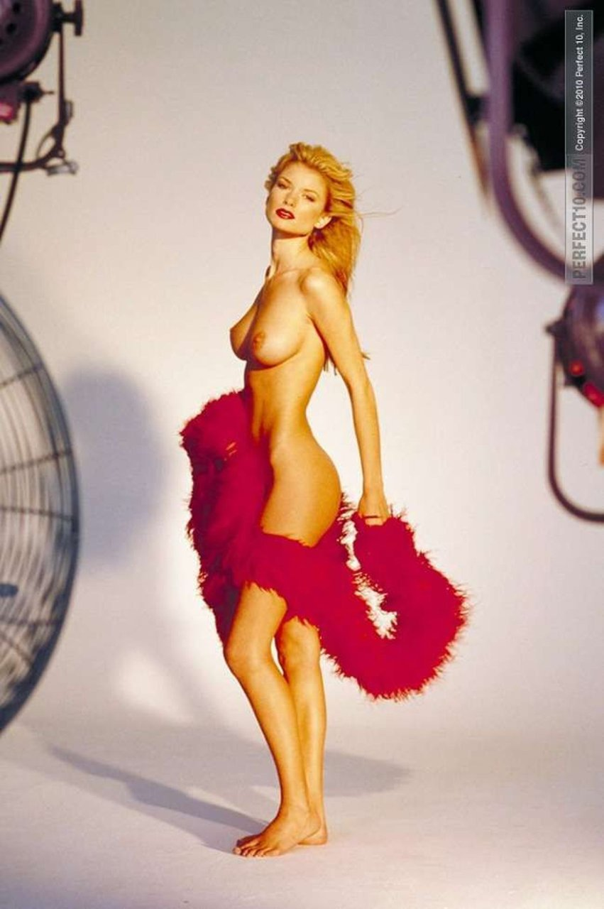 nude photos of marisa miller