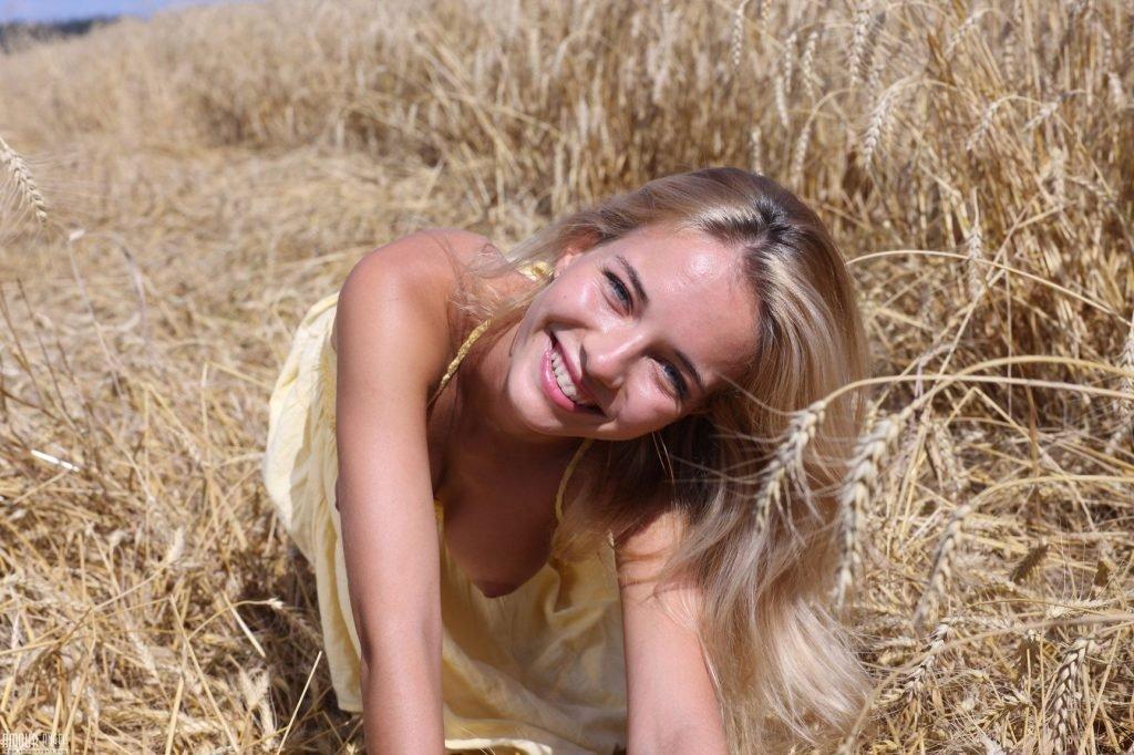 Natalia Andreeva Nude (25 Photos)