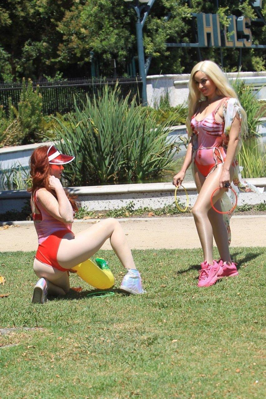 Phoebe Price, Marcela Iglesias Sexy (47 Photos)