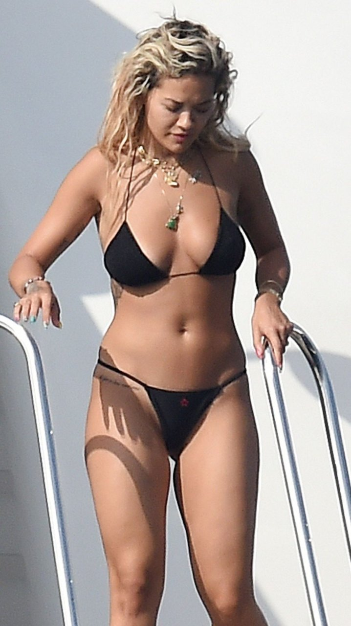 Rita Ora Sexy (18 New Photos)