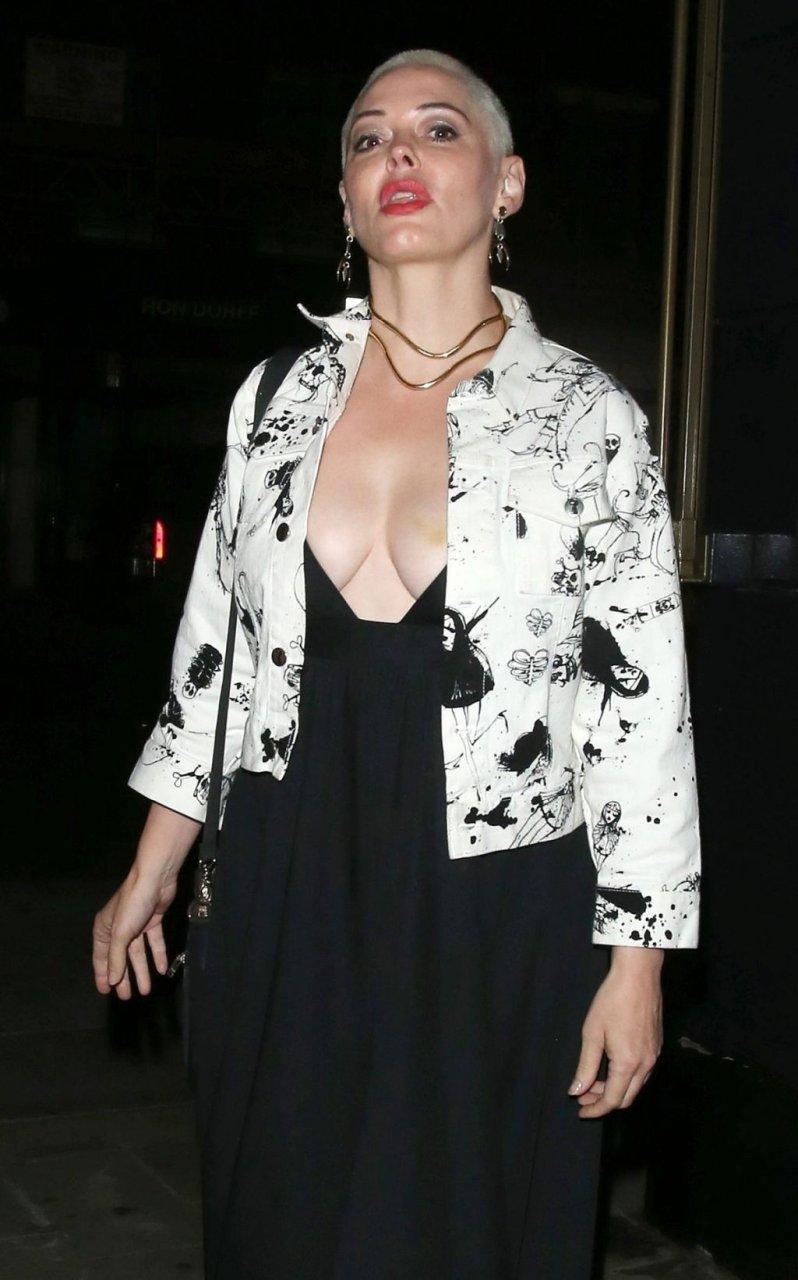 Rose McGowan Sexy (17 Photos)
