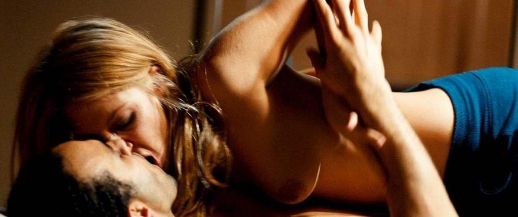 Sarah Chronis Nude Sex Scene – Bloedlink (4 Pics + GIF & Video)