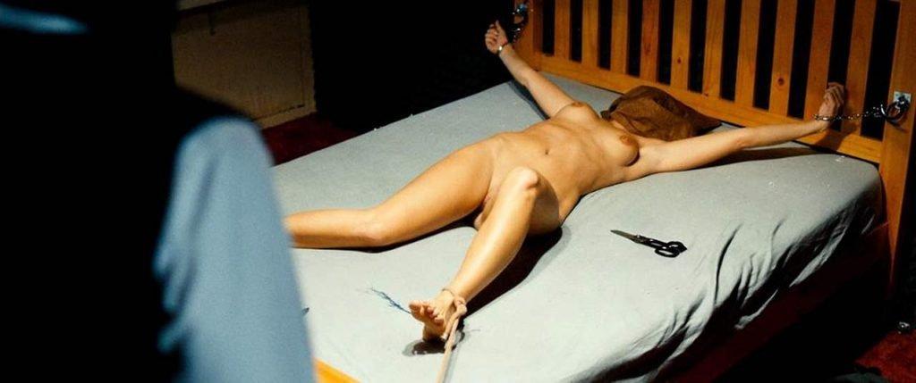 Sarah Chronis Nude – Bloedlink (5 Pics + GIF & Video)