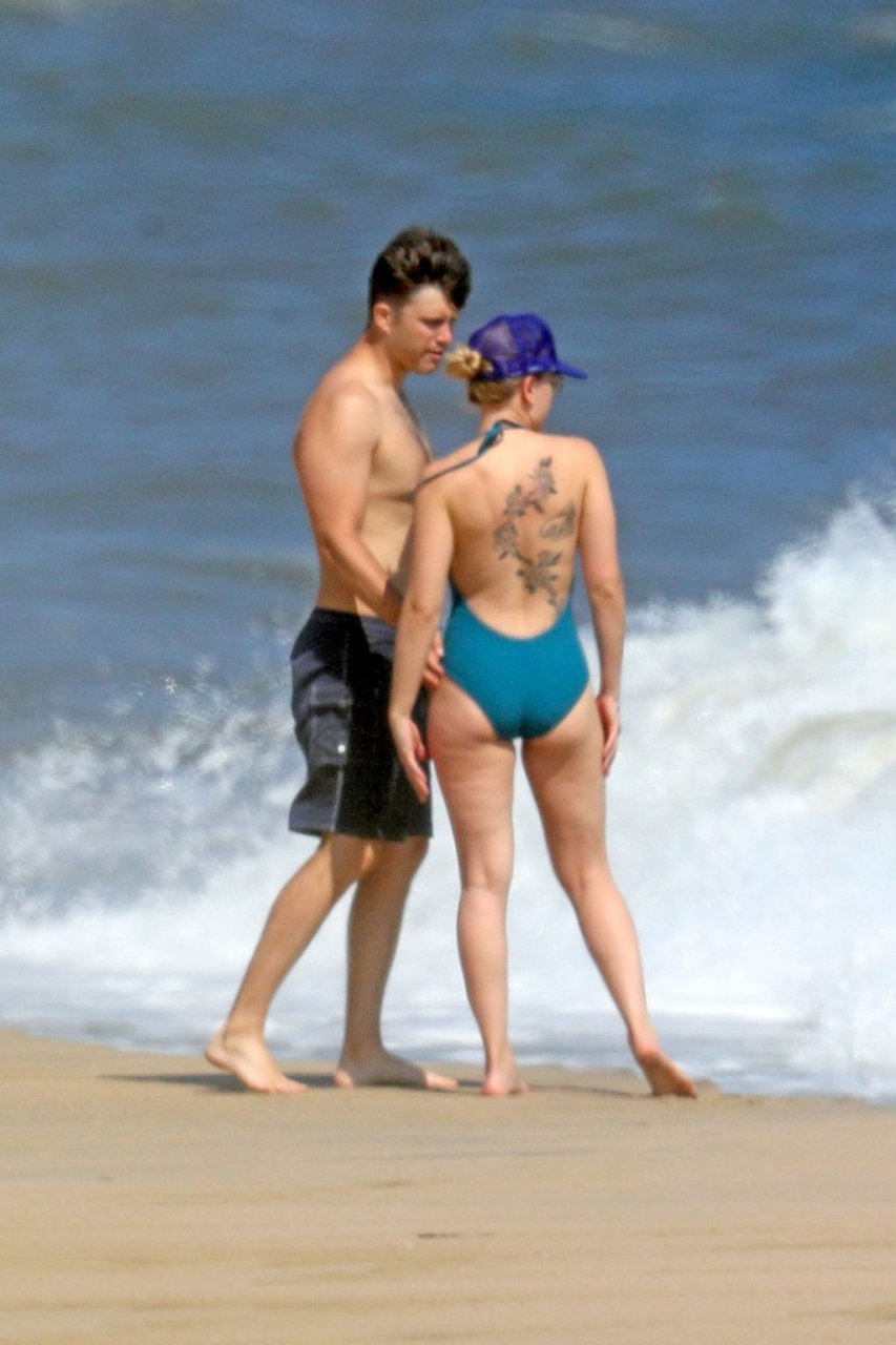 Scarlett Johansson Sexy (29 Photos)