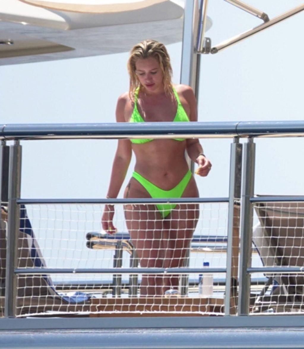 Stassie Karanikolaou Sexy (29 Photos)