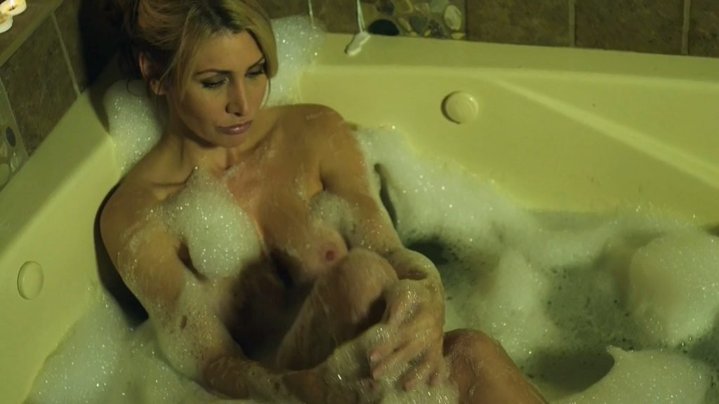 Tawny Amber Young Nude – The Family (8 Pics + GIF & Video)