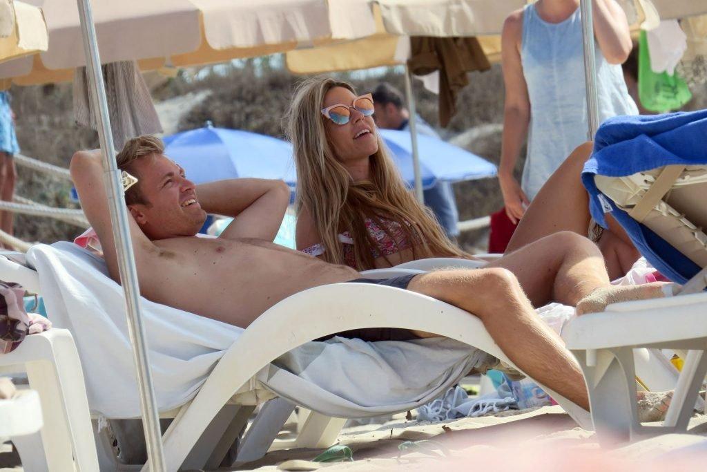 Vivian Rosberg Sexy (13 Photos)