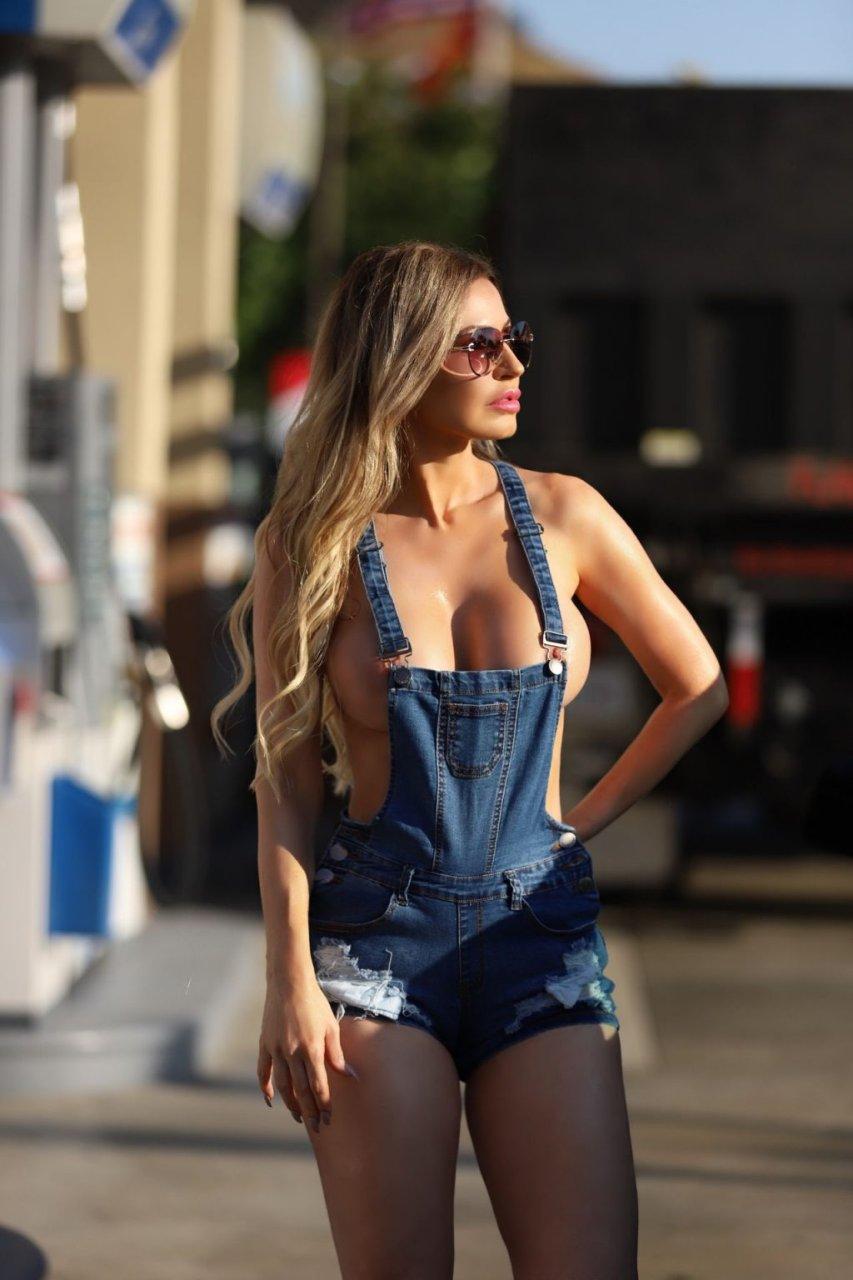 Ana Braga Topless (30 Photos)