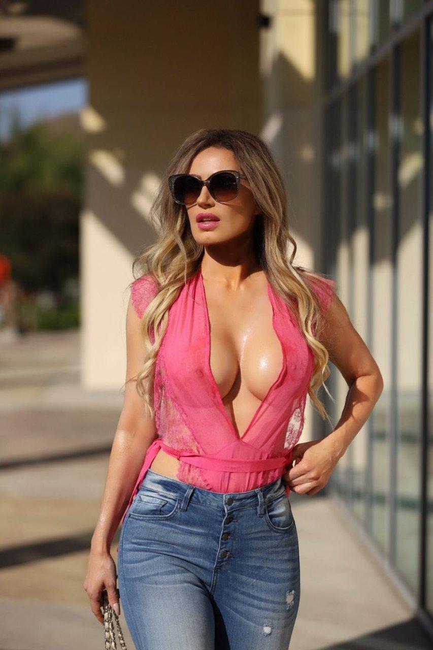 Ana Braga Hot (18 Photos)
