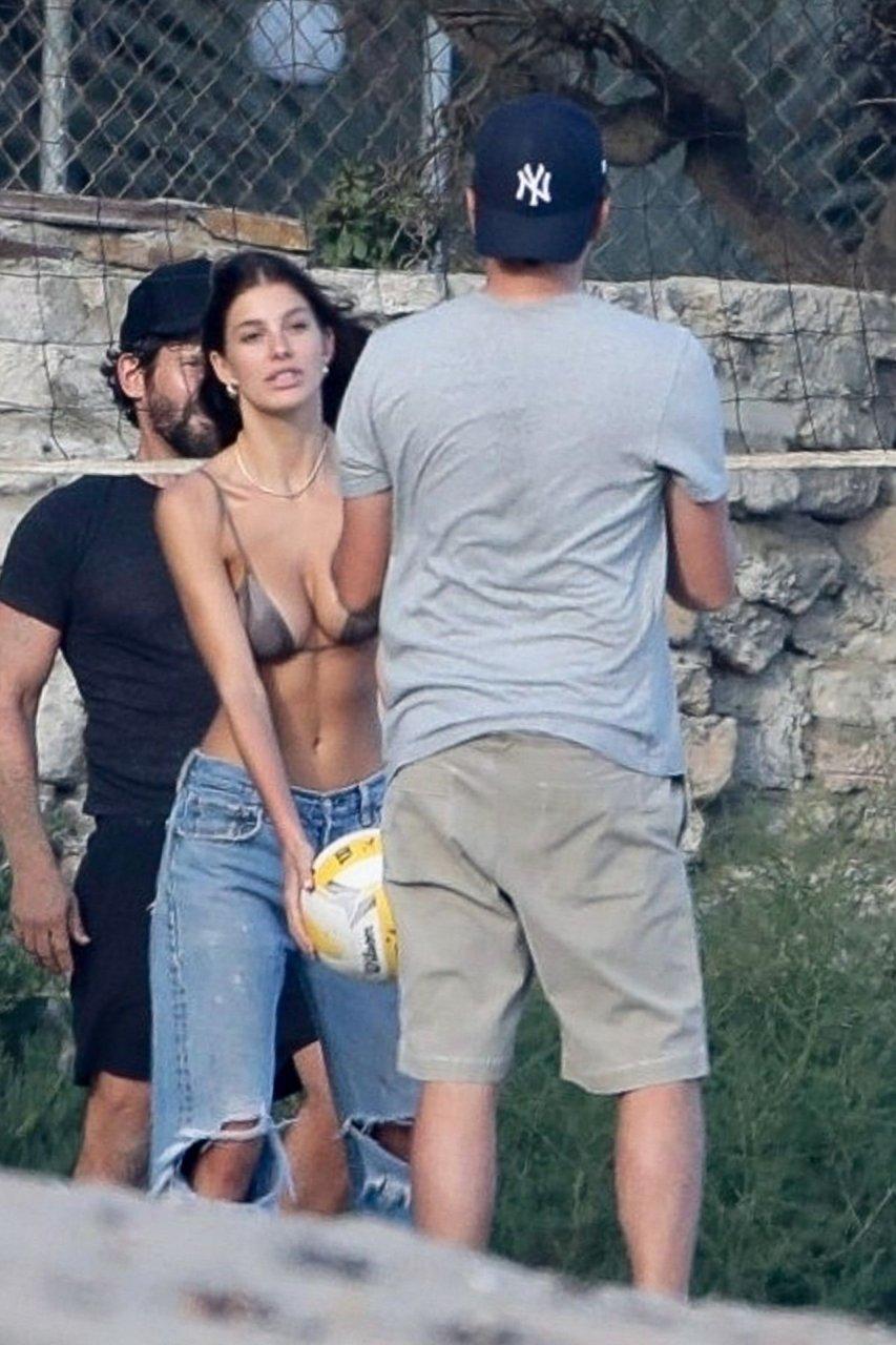 Camila nackt Morrone 36 Hot