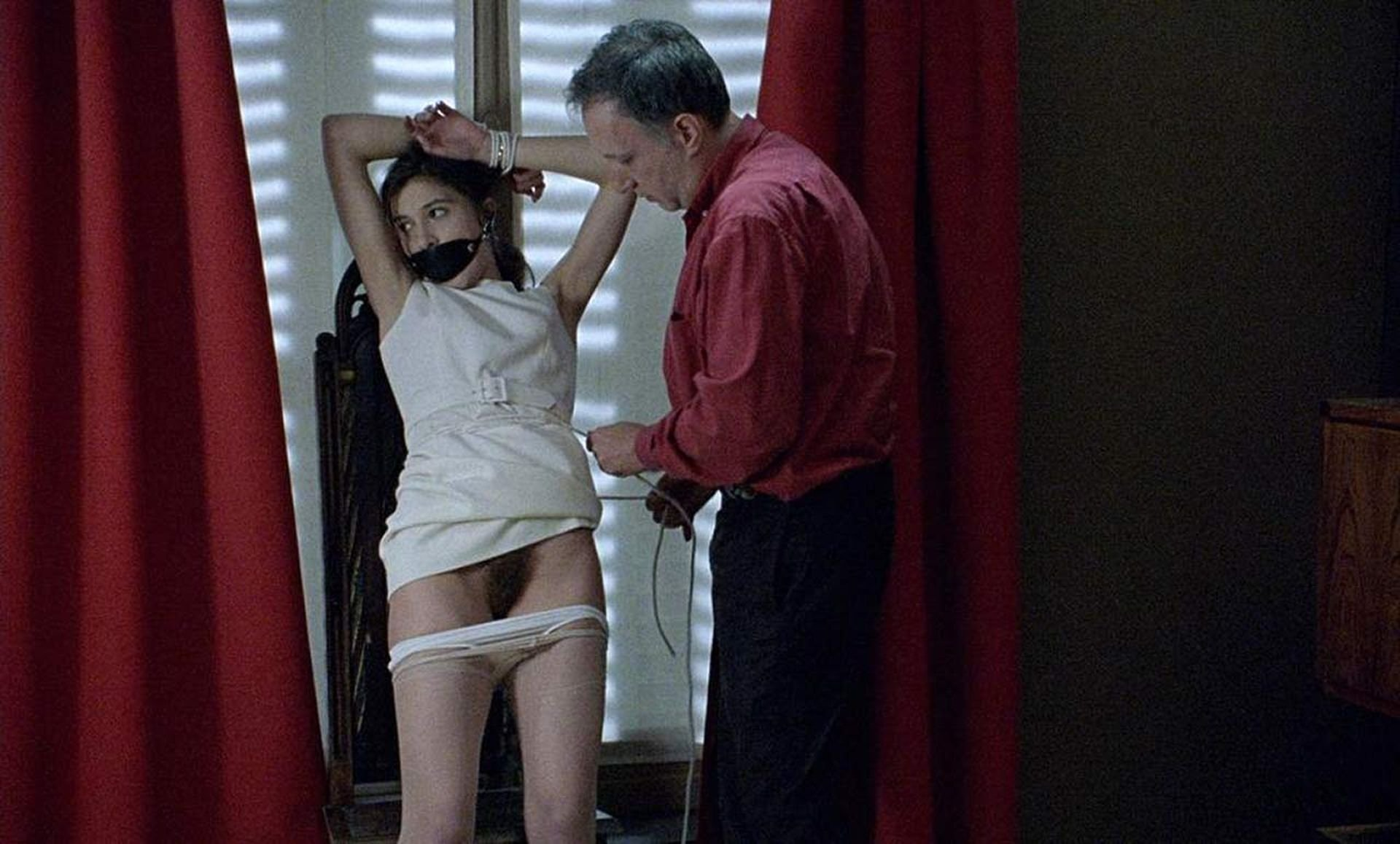 Caroline Ducey Nude Boobs And Nipples In Romance Scandalplanetcom