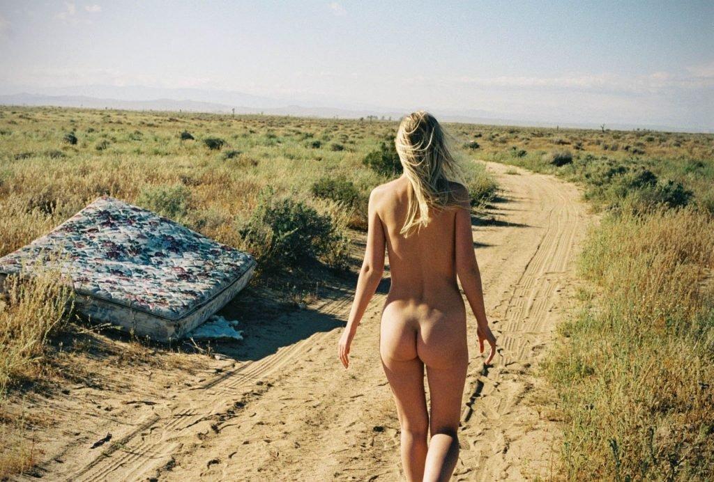 Cynda Mcelvana Nude & Sexy (12 Photos)