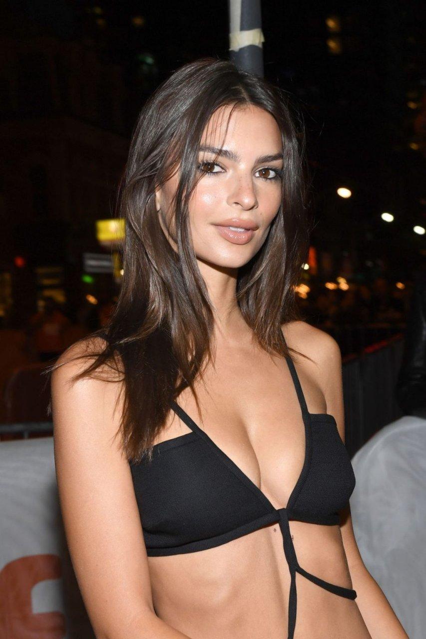 Emily O'Hara Ratajkowski Sexy (17 Hot Photos)