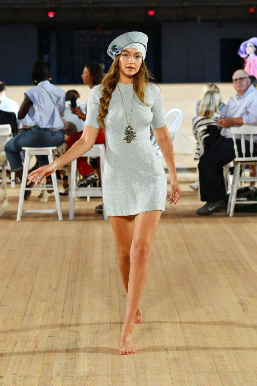 Gigi Hadid Braless (15 Photos + GIF & Video)