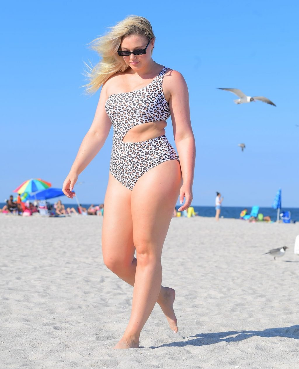Iskra Lawrence Sexy (28 Photos)