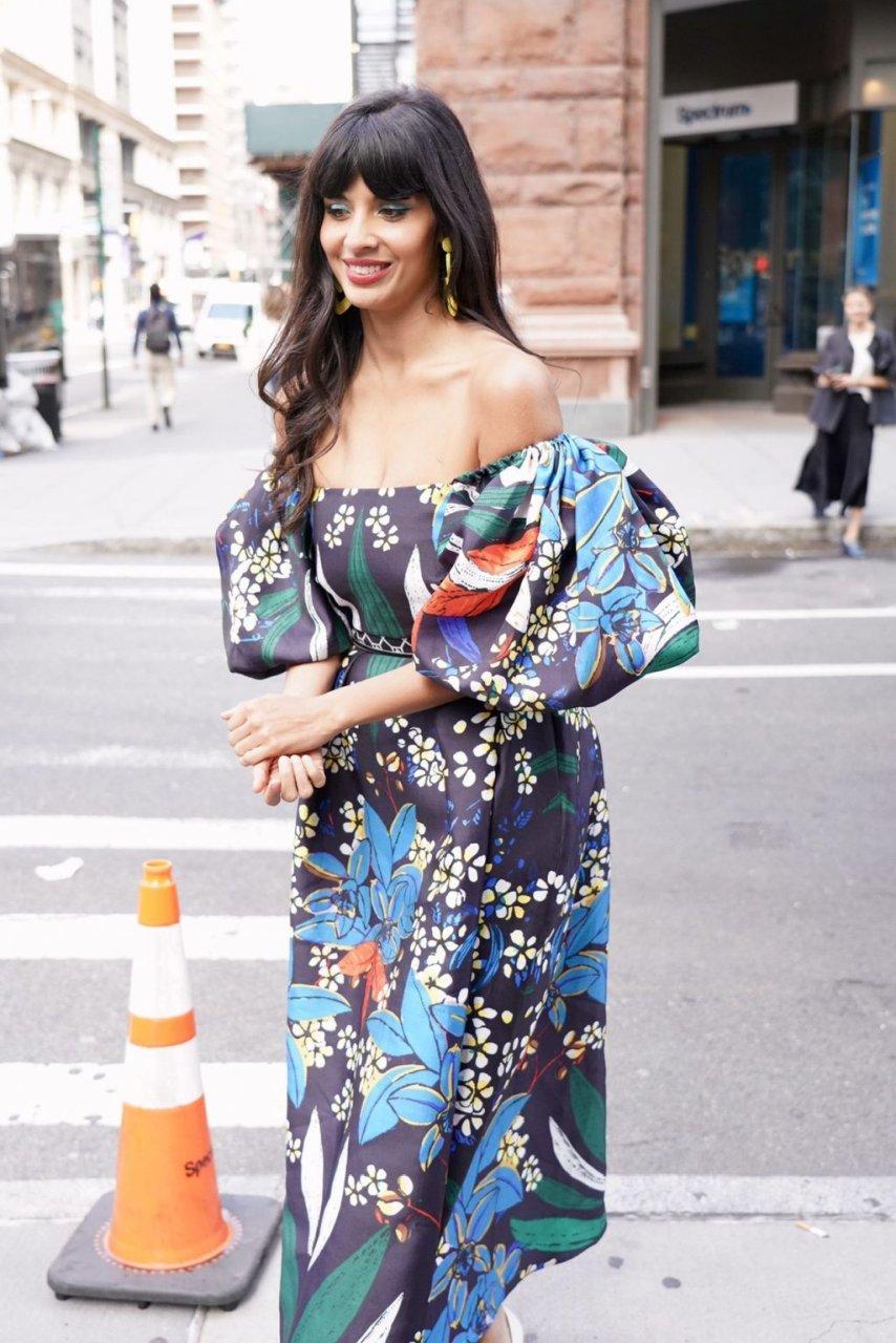 Jameela Jamil Sexy (42 Photos)