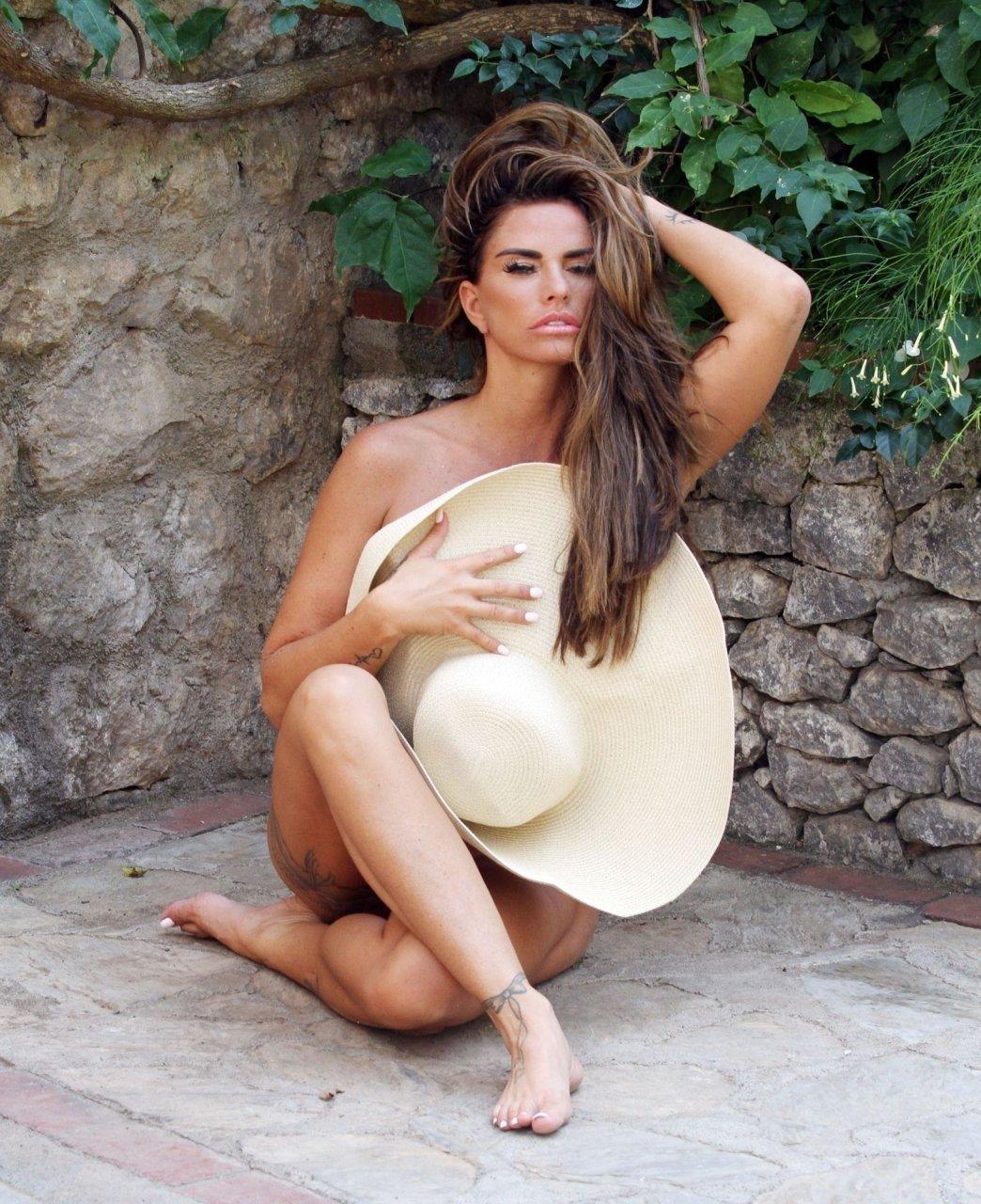 Katie-Price-Nude-Sexy-TheFappeningBlog.com-109.jpg
