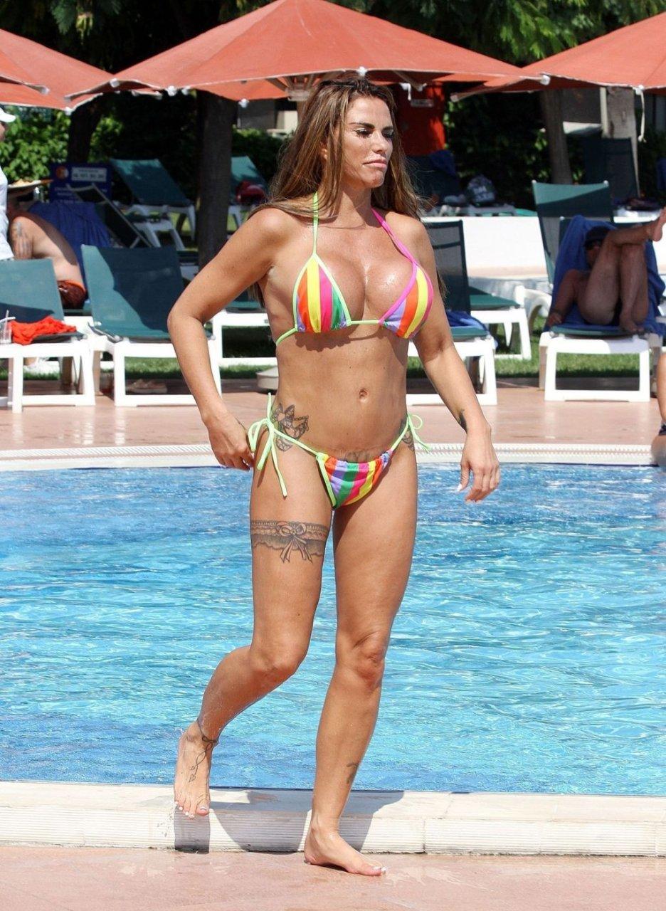 Katie-Price-Nude-Sexy-TheFappeningBlog.com-13-1024x1401.jpg