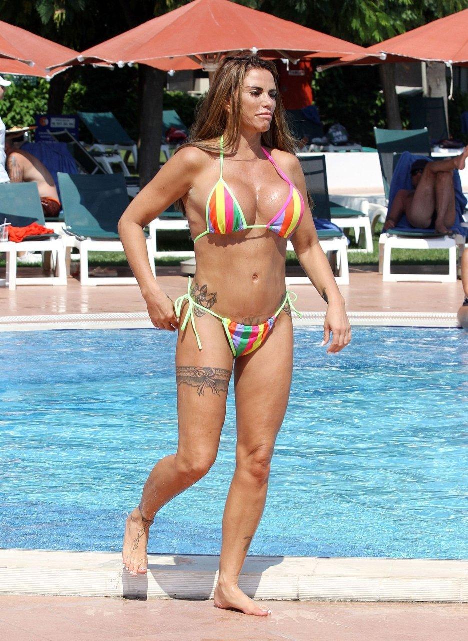Katie-Price-Nude-Sexy-TheFappeningBlog.com-13.jpg