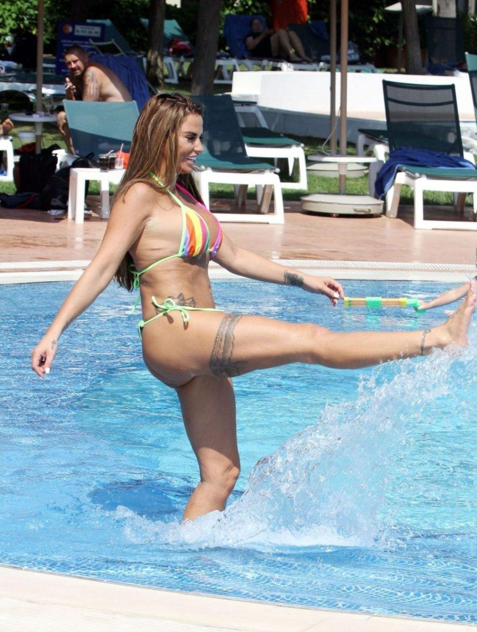 Katie-Price-Nude-Sexy-TheFappeningBlog.com-15-1024x1356.jpg
