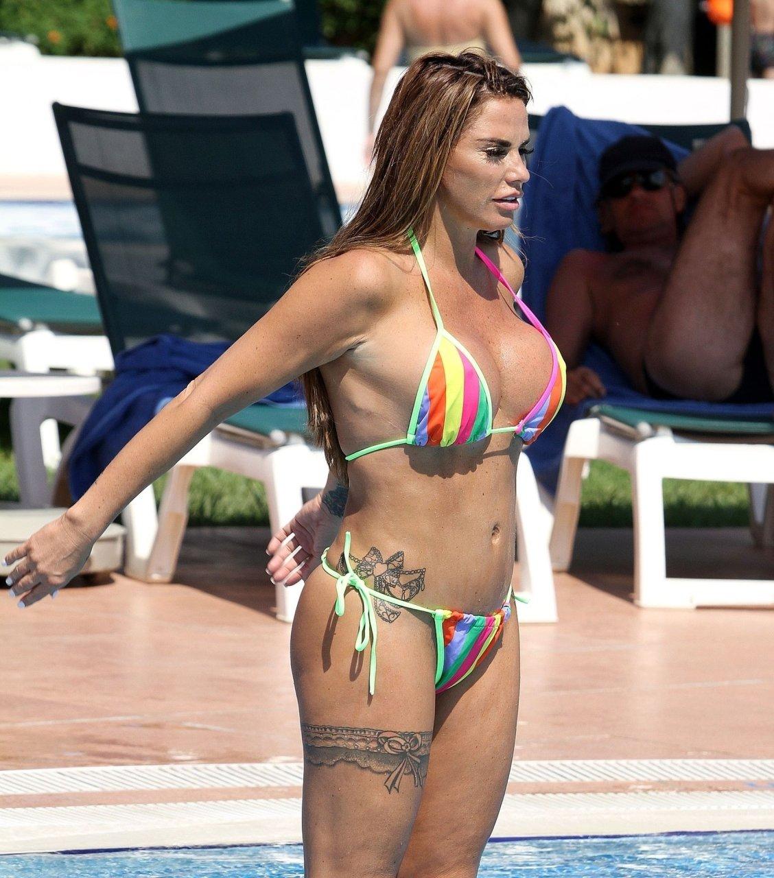 Katie-Price-Nude-Sexy-TheFappeningBlog.com-20.jpg