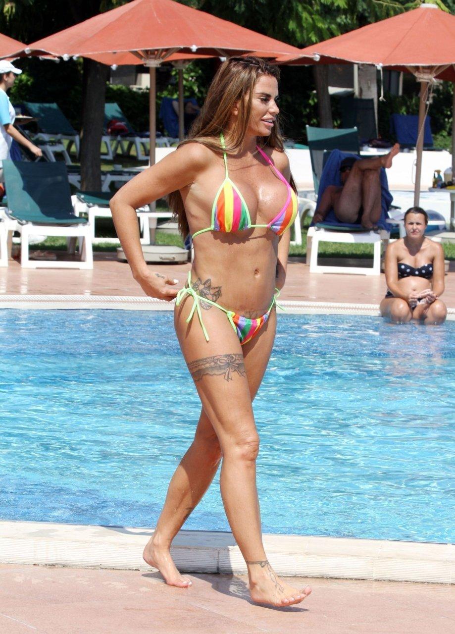 Katie-Price-Nude-Sexy-TheFappeningBlog.com-3.jpg