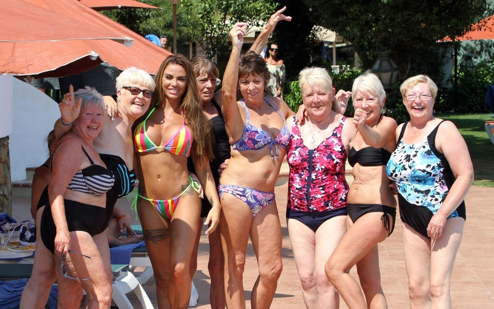 Katie-Price-Nude-Sexy-TheFappeningBlog.com-4.jpg