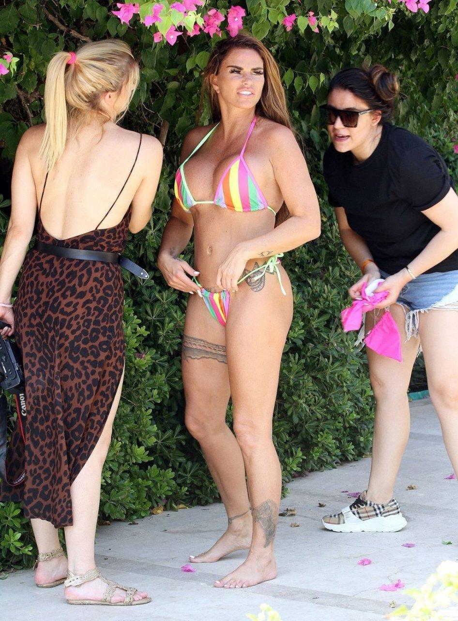 Katie-Price-Nude-Sexy-TheFappeningBlog.com-50-1024x1385.jpg