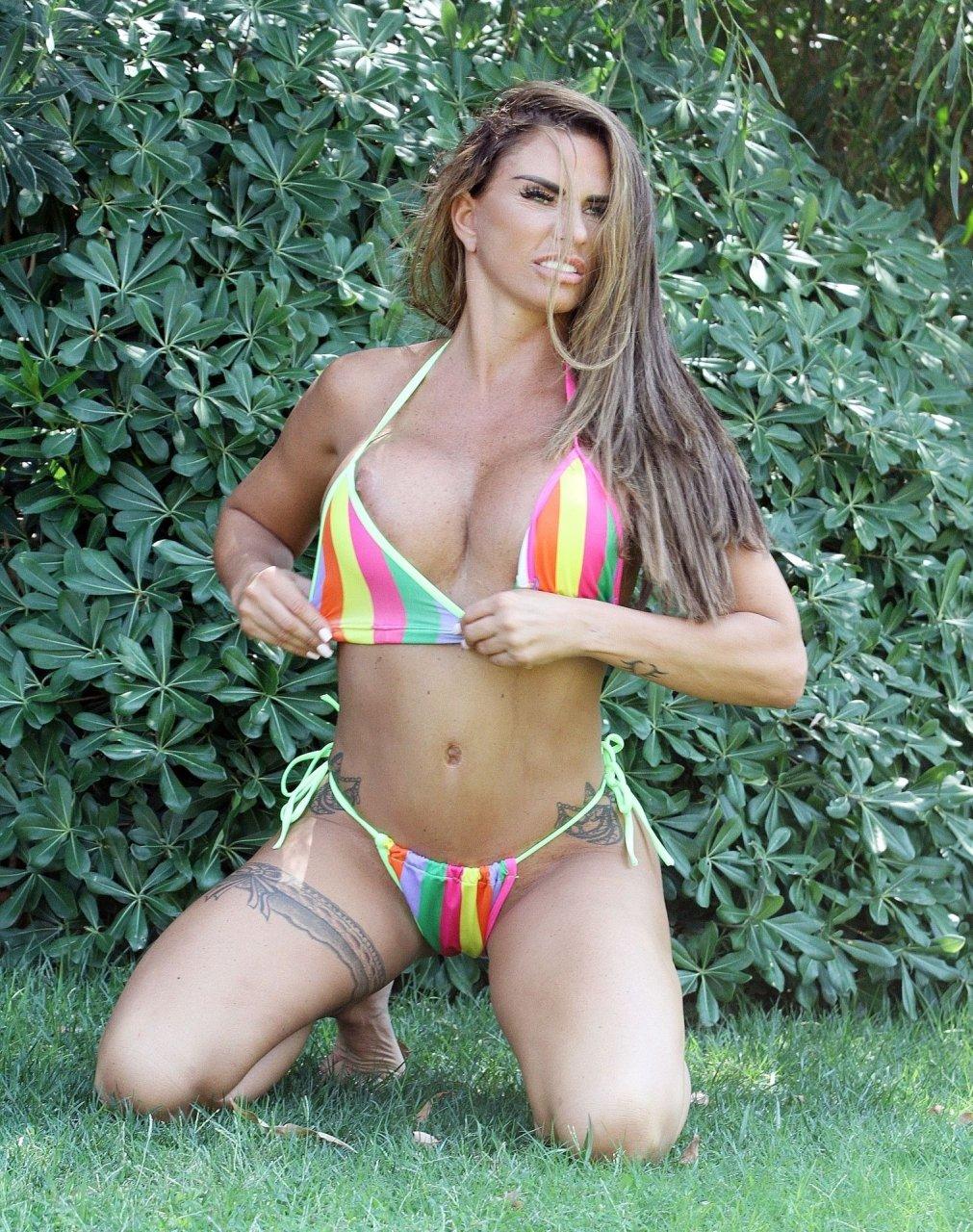 Katie-Price-Nude-Sexy-TheFappeningBlog.com-56.jpg