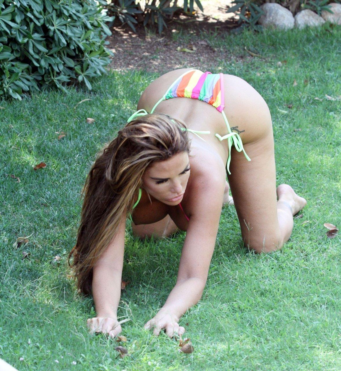 Katie-Price-Nude-Sexy-TheFappeningBlog.com-77.jpg