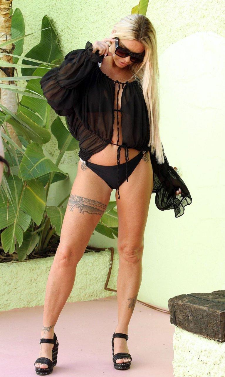 Katie Price Sexy (26 Photos)