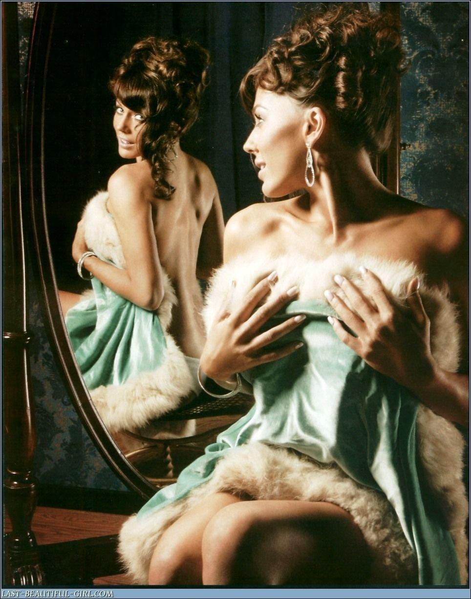 Krista Allen Nude & Sexy Collection (54 Photos)