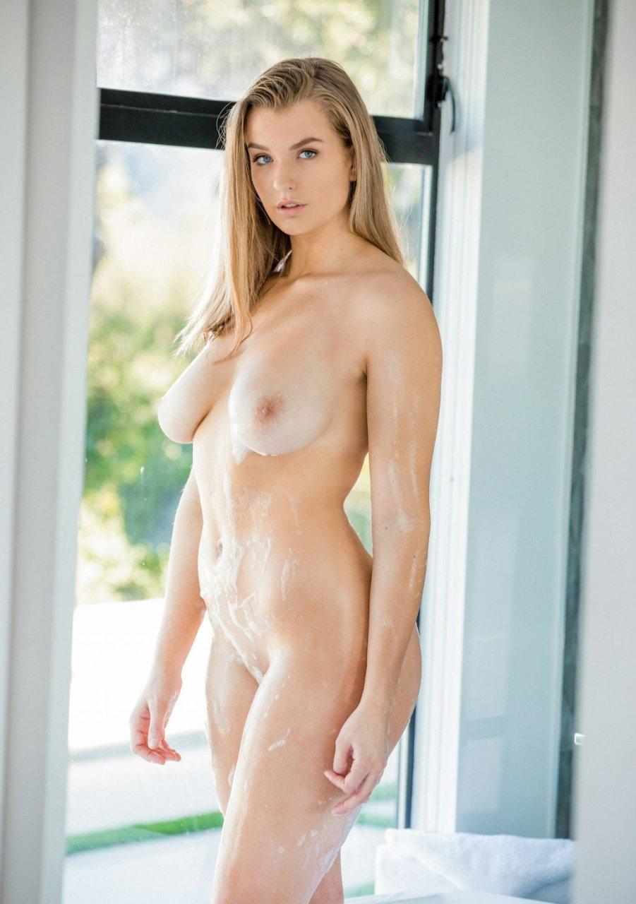 Mia Melano Nude & Sexy (25 Photos)