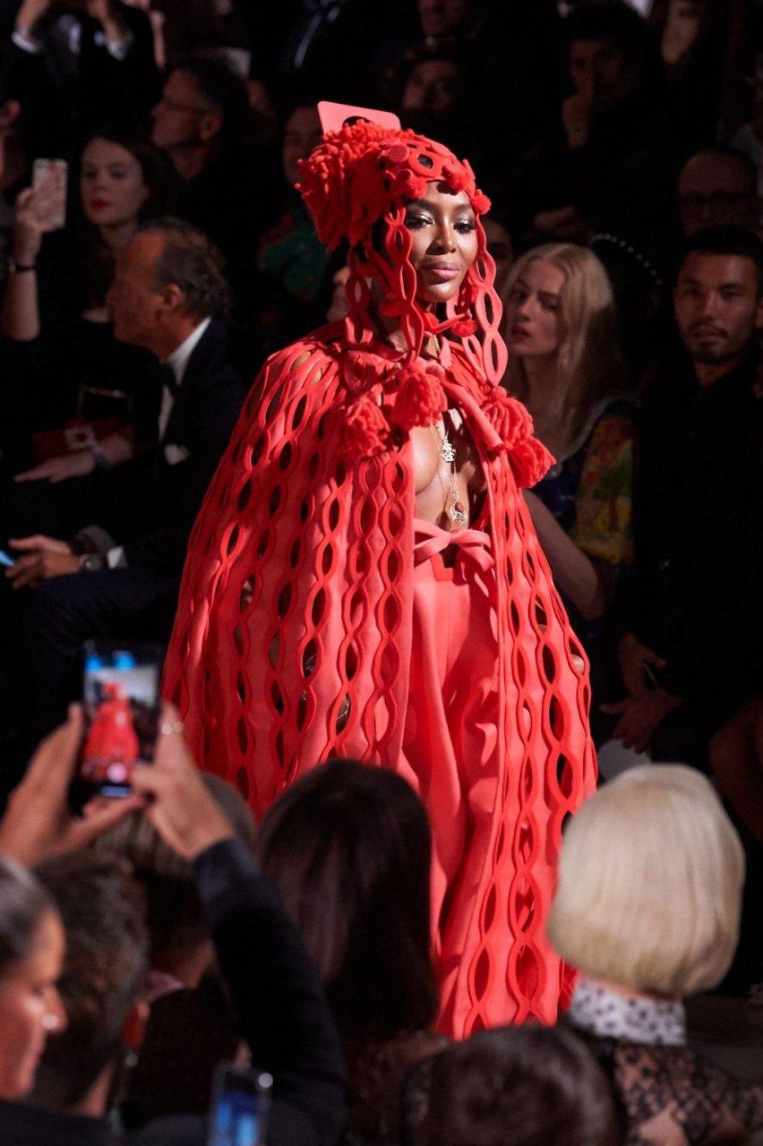 Naomi Campbell See Through (10 Photos)