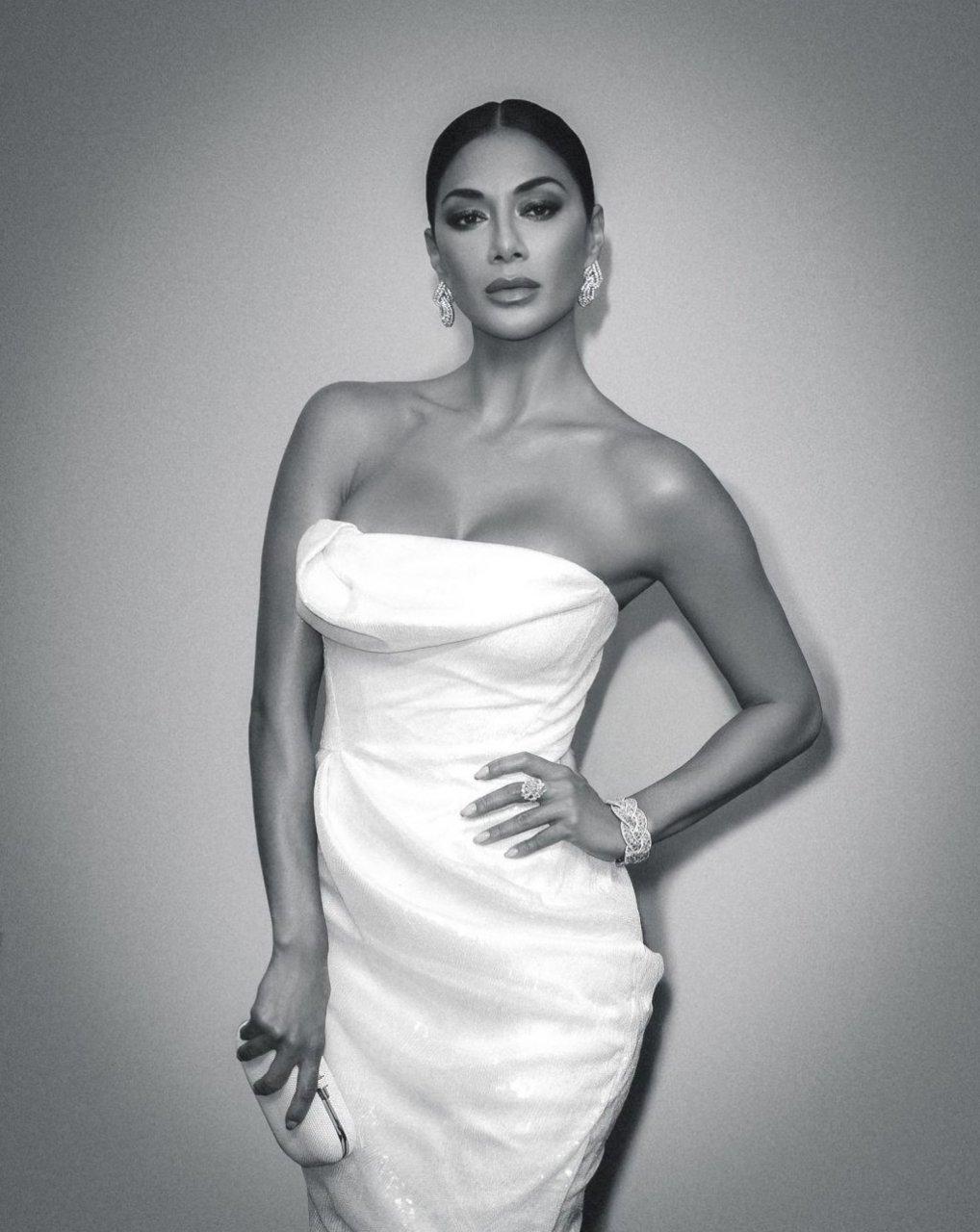 Nicole Scherzinger Sexy (5 New Photos)