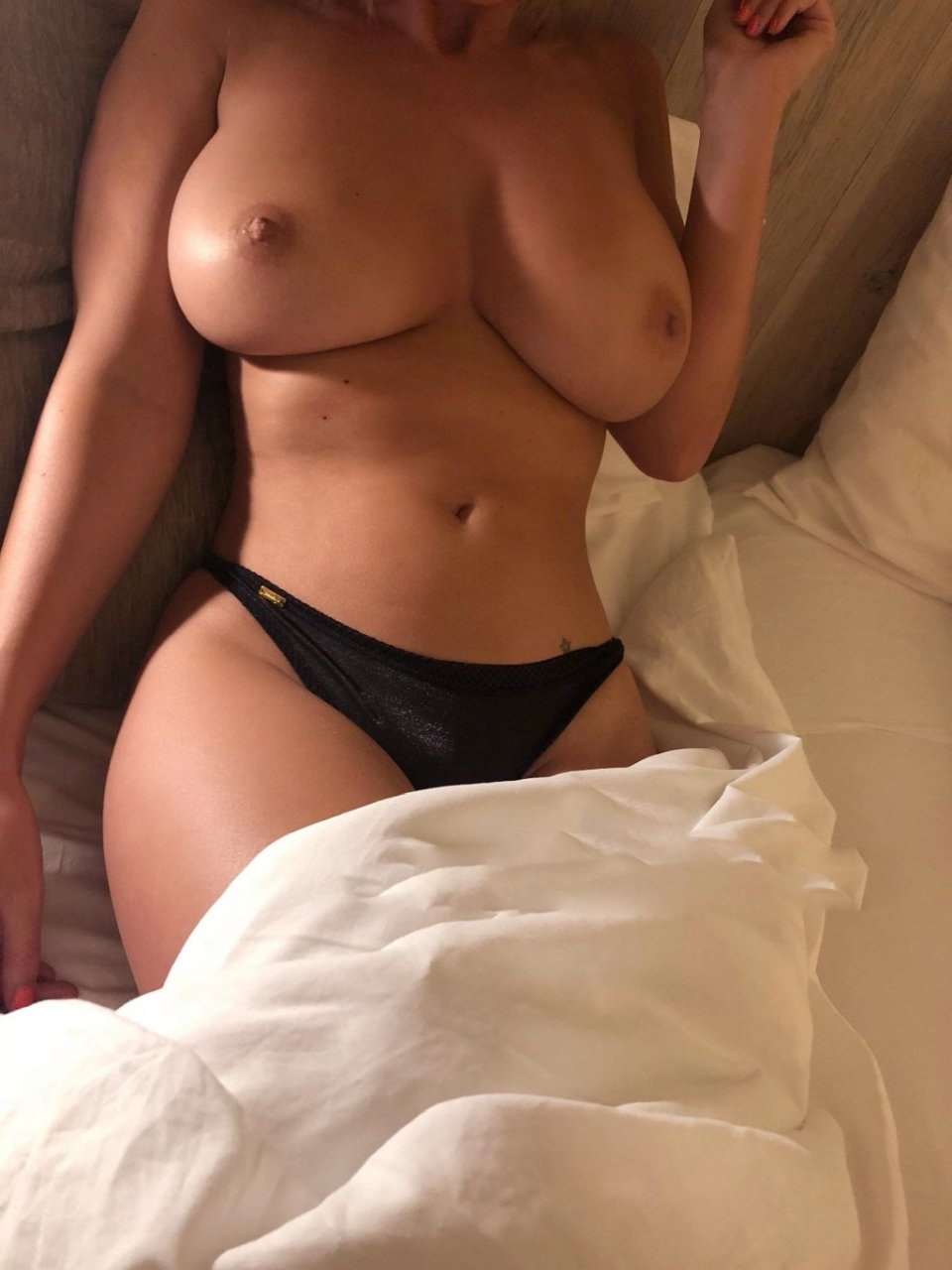 Rhian Sugden Nude Leaked The Fappening (2 New Photos)