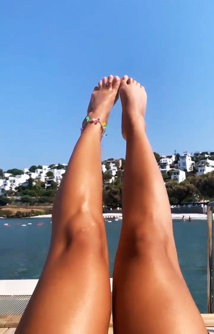 Rita Ora Sexy (7 Pics + GIF & Video)
