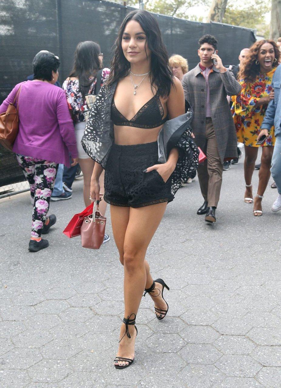 Vanessa Hudgens Sexy (70 Photos)