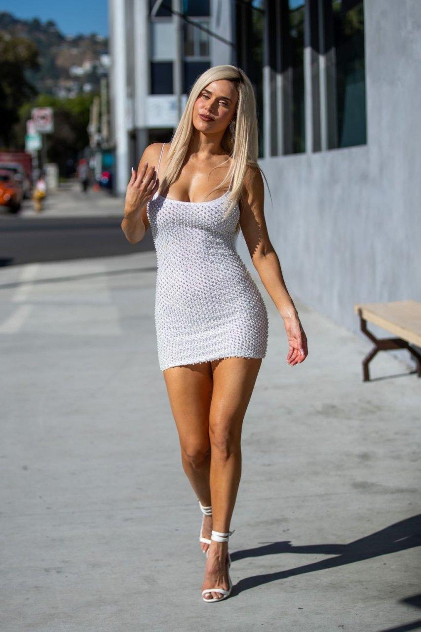 CJ 'Lana' Perry Sexy (8 Photos)