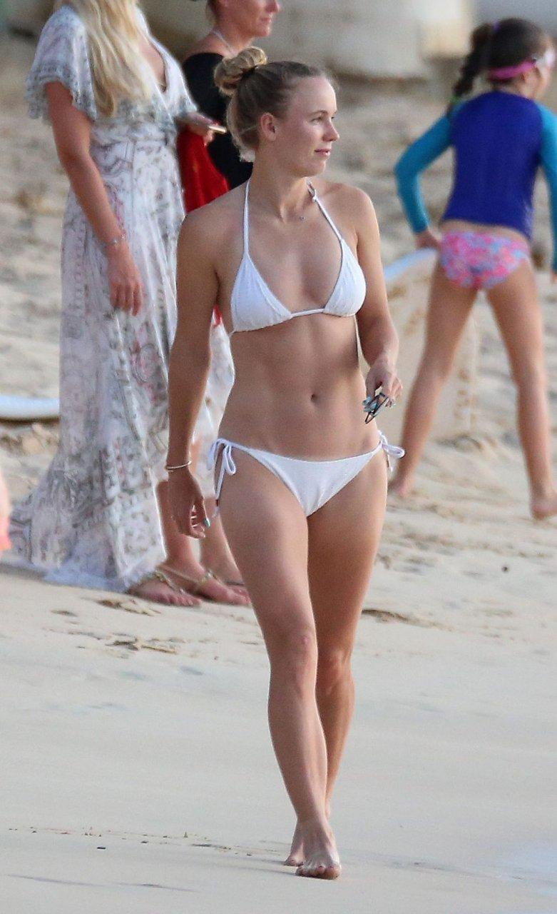 Caroline Wozniacki Sexy (41 Photos)