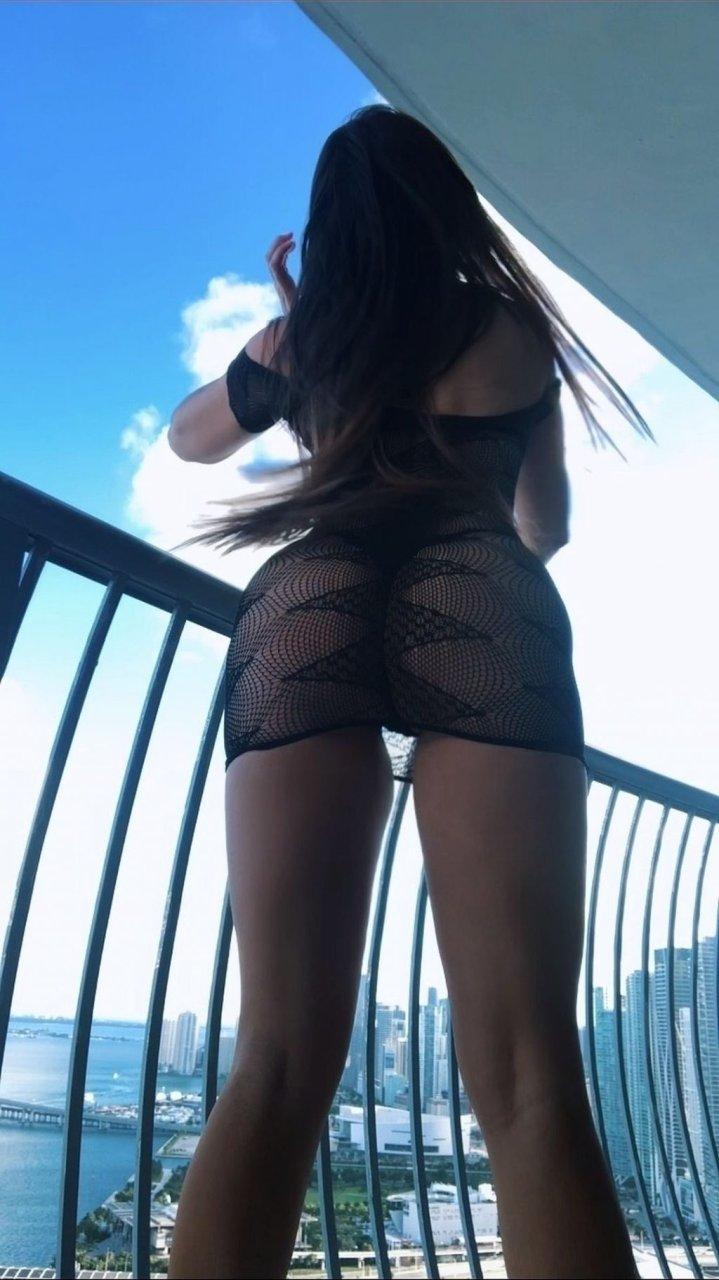 Claudia Romani Hot (5 Photos)