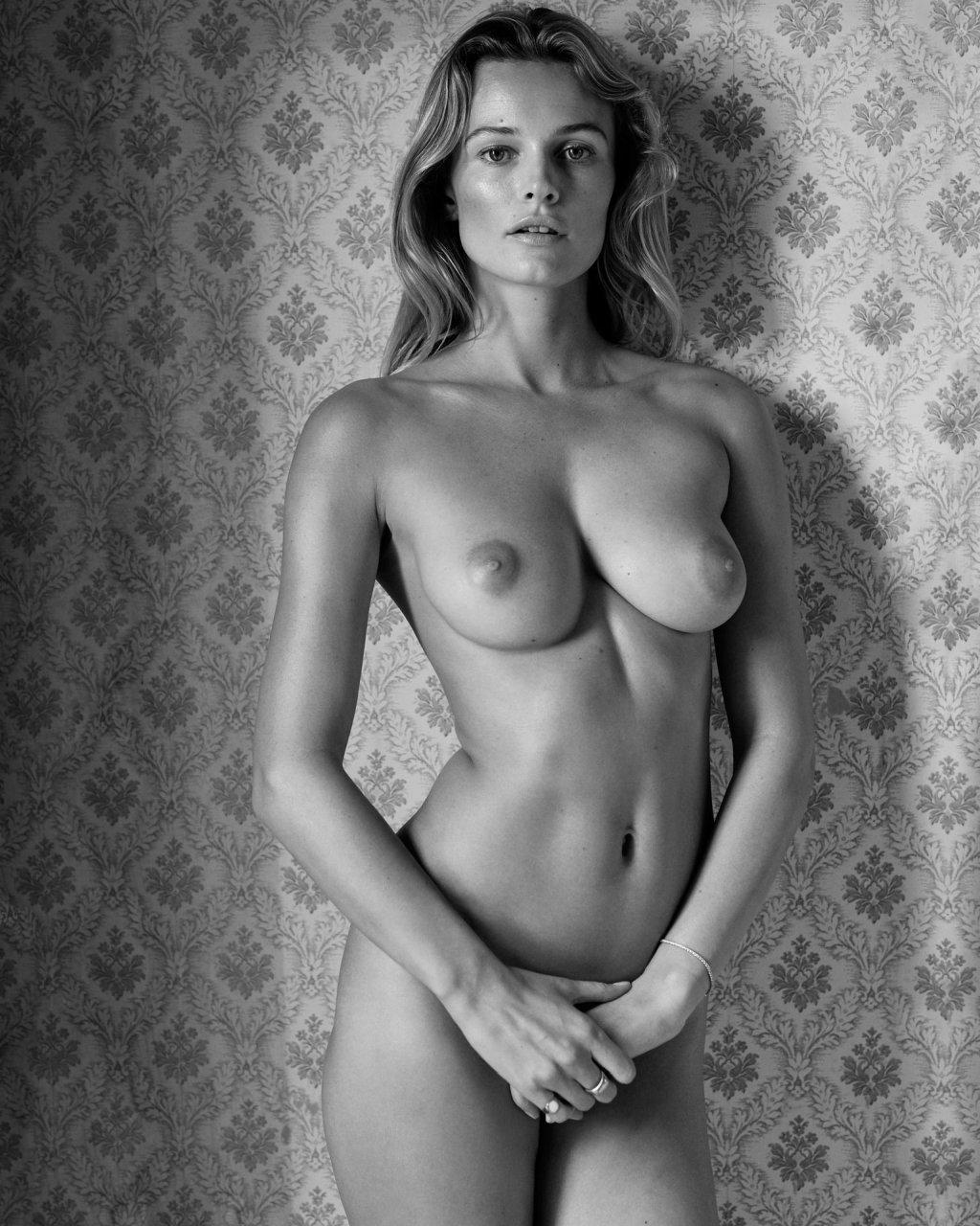 Edita-Vilkeviciute-Nude-TheFappeningBlog