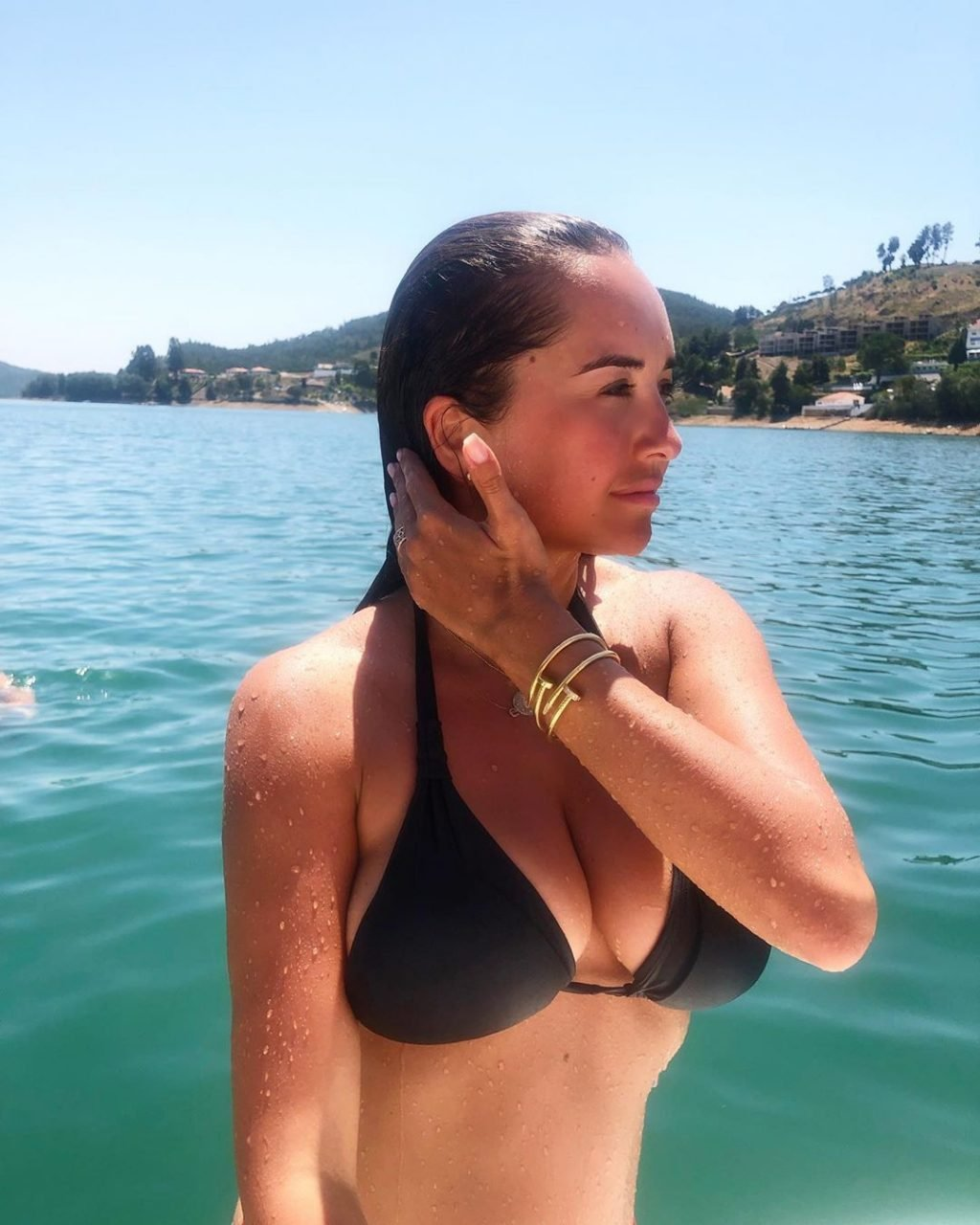 Elena Ora Sexy (40 Photos)