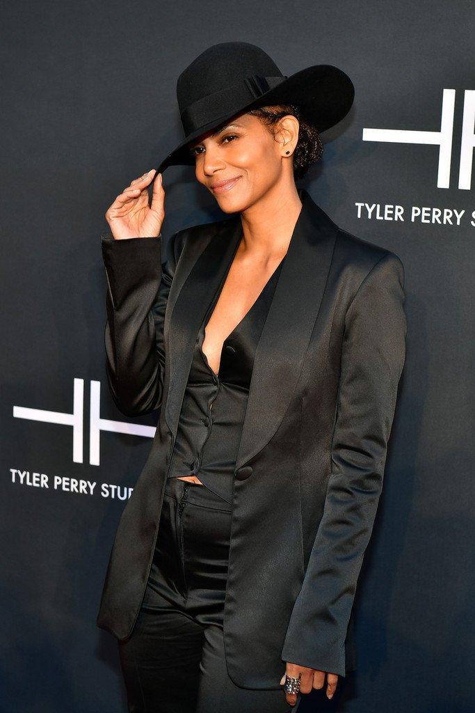 Halle Berry Sexy (8 Photos)