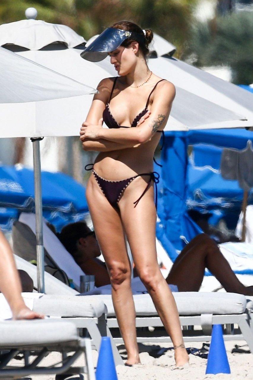 Isabeli Fontana Sexy (32 Photos)