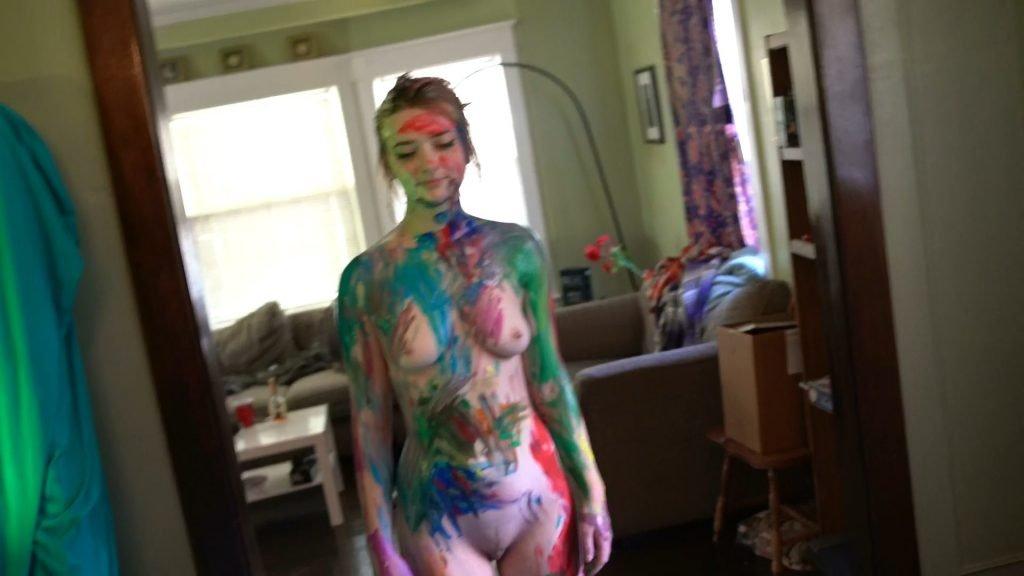 Lindsey Normington Nude – Sandbagger (8 Pics + GIF & Video)