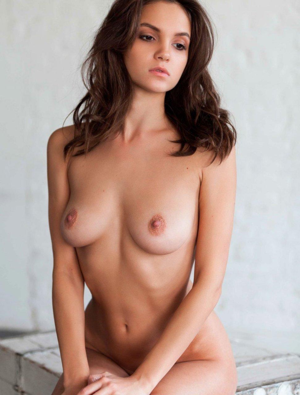 Maria Demina Nude (13 Photos)