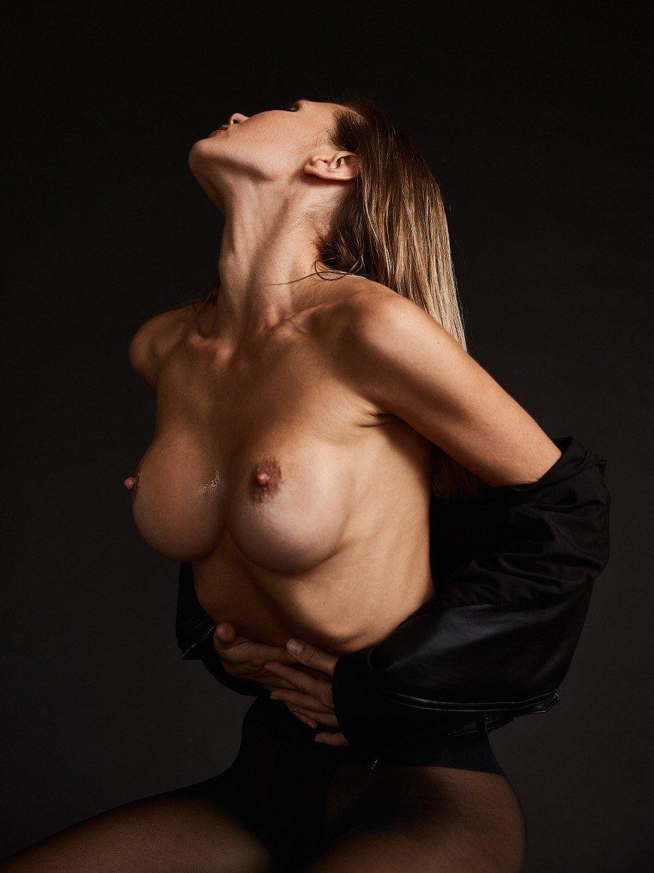 Marina Polnova Nude & Sexy (17 Photos)